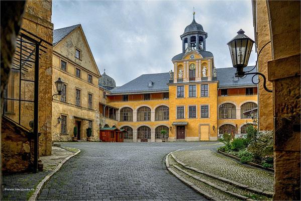 großes Schloss in Blankenburg ...