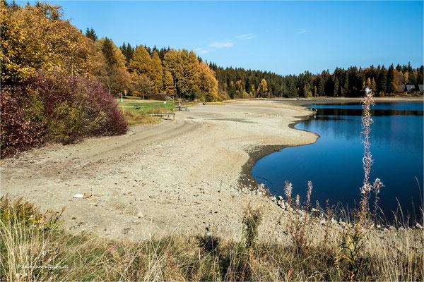 der Badeteich hat einen breiten Strand ... ;-)