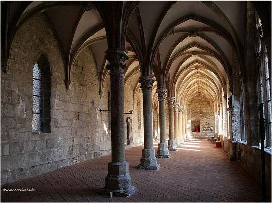 Kreuzgang der gotischen Klosteranlage Walkenried