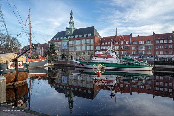 am Rathaus in Emden