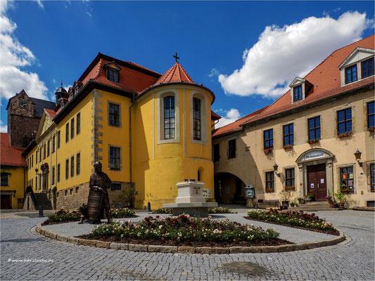 das Schloss Ballenstedt ...