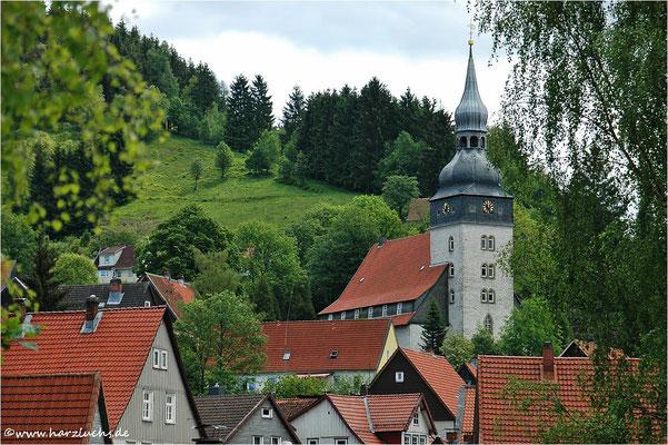 die Paul-Gerhardt-Kirche in Lautenthal ...
