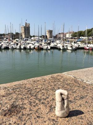 A la Rochelle ...