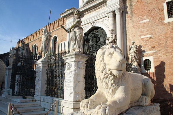 A Venise, en Italie...