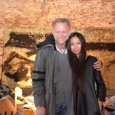 With artist Hyon Gyon (photo: Nicole Ponesch ©)