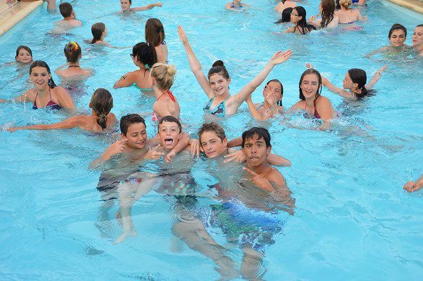 Stage d'équitation, piscine surveillée
