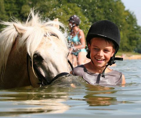 stage d'équitation, baignade au Lac