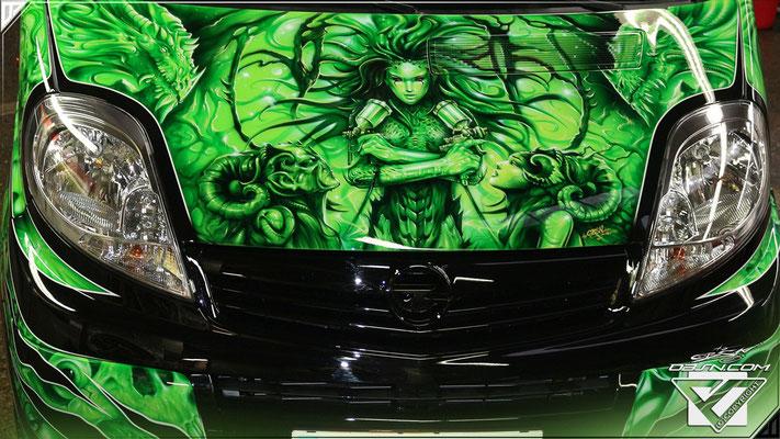 Fantasy-Drachen uvm auf Opel Vivaro Komplett Gestaltung