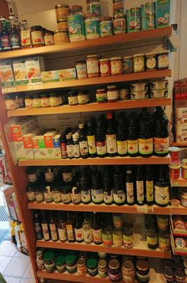 Feinkost wie Öl, Essig, Pesto, Senf, Fisch, Konserven, ...
