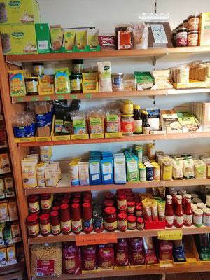 Sprossen, Gemüsebrühe, Nudeln, Tomatenprodukte, Salz, ..