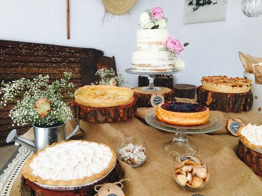 Detalles de repostería francesa (galletas y tartas caseras) de mesa dulce Alquería (estilo rústico o clásico). Lateral I | Dulce Dorotea