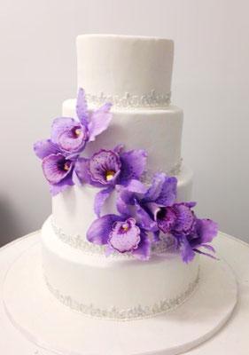 Tarta de boda con orquídeas de Dulce Dorotea