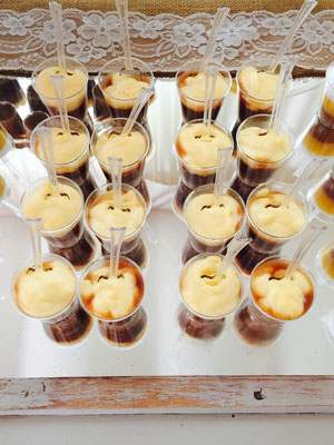 vasitos dulces para mesa dulce de  boda estilo rústico o campestre diseño de Dulce Dorotea