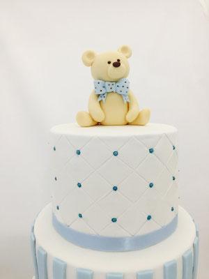 Detalle de topper en tarta en Mesa dulce tipo Teddy Bear | Dulce Dorotea