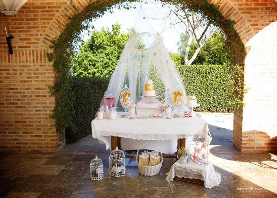 Mesa dulce de comunión Gold Butterfly, foto completa (de Dulce Dorotea)