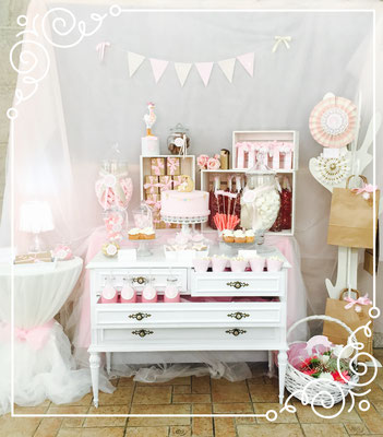 Mesa dulce para bautizo o baby shower de niña diseño de Dulce Dorotea