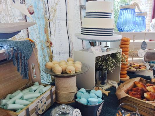 Detalle de chucherías de la mesa dulce marinera de Dulce Dorotea