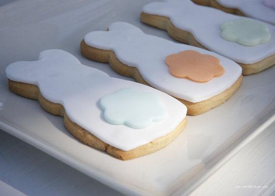 Detalle galletas decoradas de mesa dulce para bautizo baby bunny | Dulce Dorotea