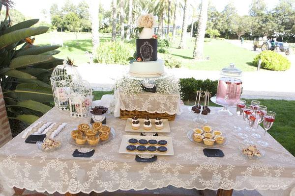 Imagen de la mesa dulce para boda estilo chalk board de Dulce Dorotea