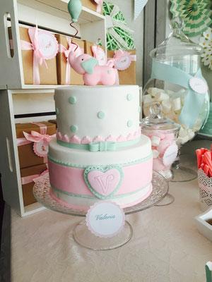 Detalle de la tarta de bautizo elaborada por Dulce Dorotea