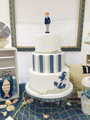 Detalle de la tarta de la mesa dulce marinera de Dulce Dorotea