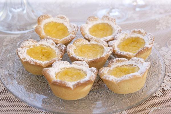 Flores de galleta con lemon curd de Dulce Dorotea Valencia