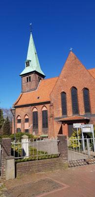Kreuzkirche Hamburg 'Wilhelmsburg Außenansicht.