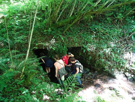 Aqueduc sur ruisseau de Rachette-Ouevre d'Art en péril, il faut restaurer rapidement pour éviter un effondrement.