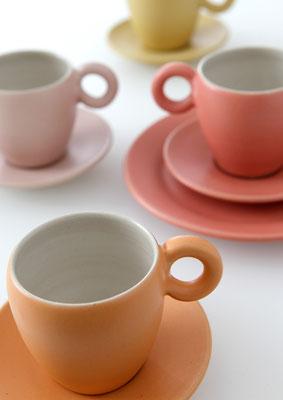 Espressogedeck     Tassenhöhe: 6,3cm      Durchmesser Unterteller: 10,3cm