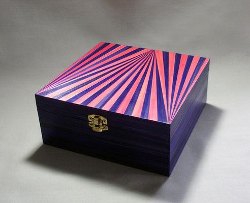Boîte à Thé façon circus (vendu)