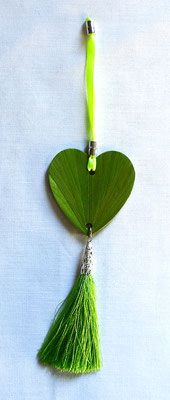 Décoration verte à suspendre sur une clef, une poignée...