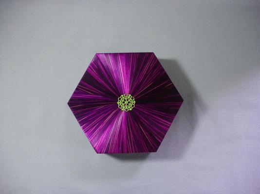 Boîte hexagonale estampe métal argenté (vendue)