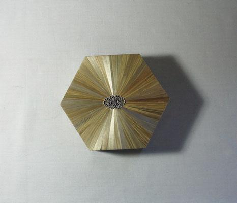 Boîte hexagonale estampe métal argenté
