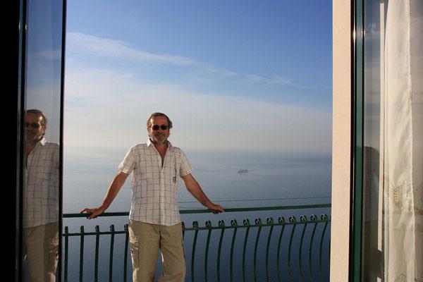 ...na naszym balkonie - a z tylu tylko morze