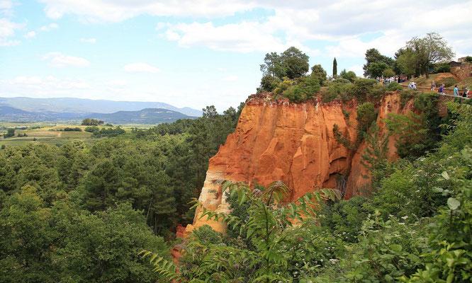Park Krajobrazowy w Roussillon - unikalne kolory i wciaz tlumy zwiedzajacych