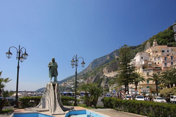 Pomnik zeglarza w starej stolicy zeglarskiej republiki