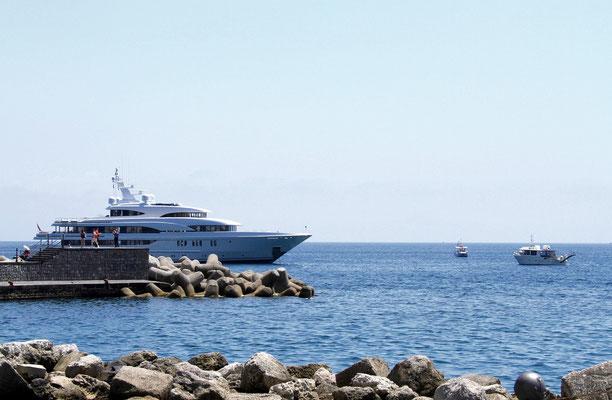 od nabrzeza w Amalfi
