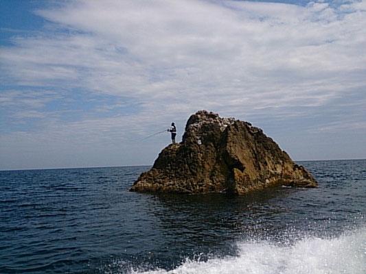 沖の真島(石鯛、ヒラマサ、アコウ)