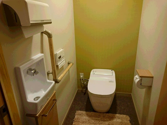 1F個室 トイレ