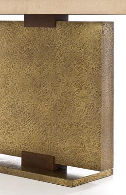 Textured bronze console - Hotel MGM Grand - Las Vegas