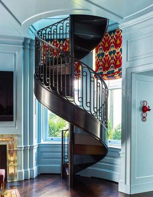 Escalier et rampe en bronze patiné pour une résidence privée - New York