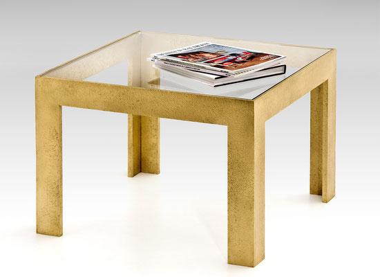Table basse en bronze texturé avec dessus en verre pour les boutiques Chanel