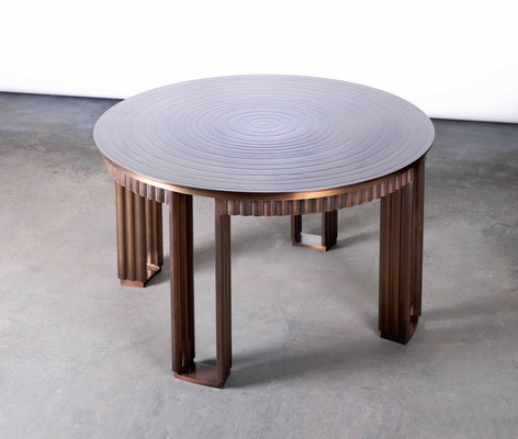 Textured and patinated coffee table - New York City