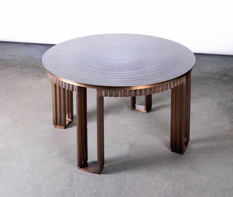 Table basse en bronze texturé et patiné - New York City
