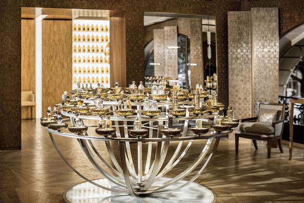 Perfume Organ Display, bronze structure silver-plated Enlightened 24 k gold-plated bowls by LED - Guerlain - Paris