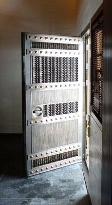 Porte en bronze - Résidence privée - Suisse