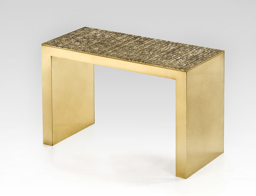 Table basse en laiton avec plateau texturé pour les boutiques Chanel