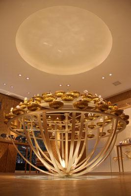Orgue à parfums en bronze rétroéclairé par des LED - Guerlain - Paris