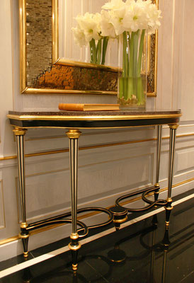 Metal copy of a Weisweiler console at client's request, gilding with paladium and gold leaf - Private residence - New York City