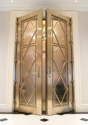 Porte en bronze pour une résidence privée - New York City